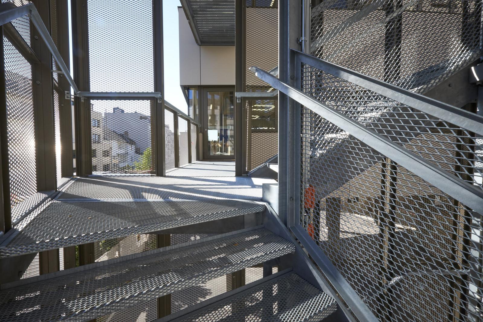 Escalier En Caillebotis Métallique dedans solutions techniques - sols et marches métalliques